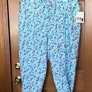 Liz Claiborne Capris Pants, new with tags